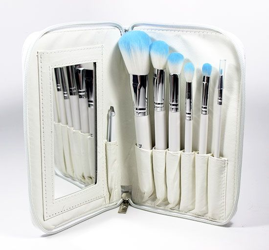 this crown brush hd set is the perfect travel makeup brush set for my ...