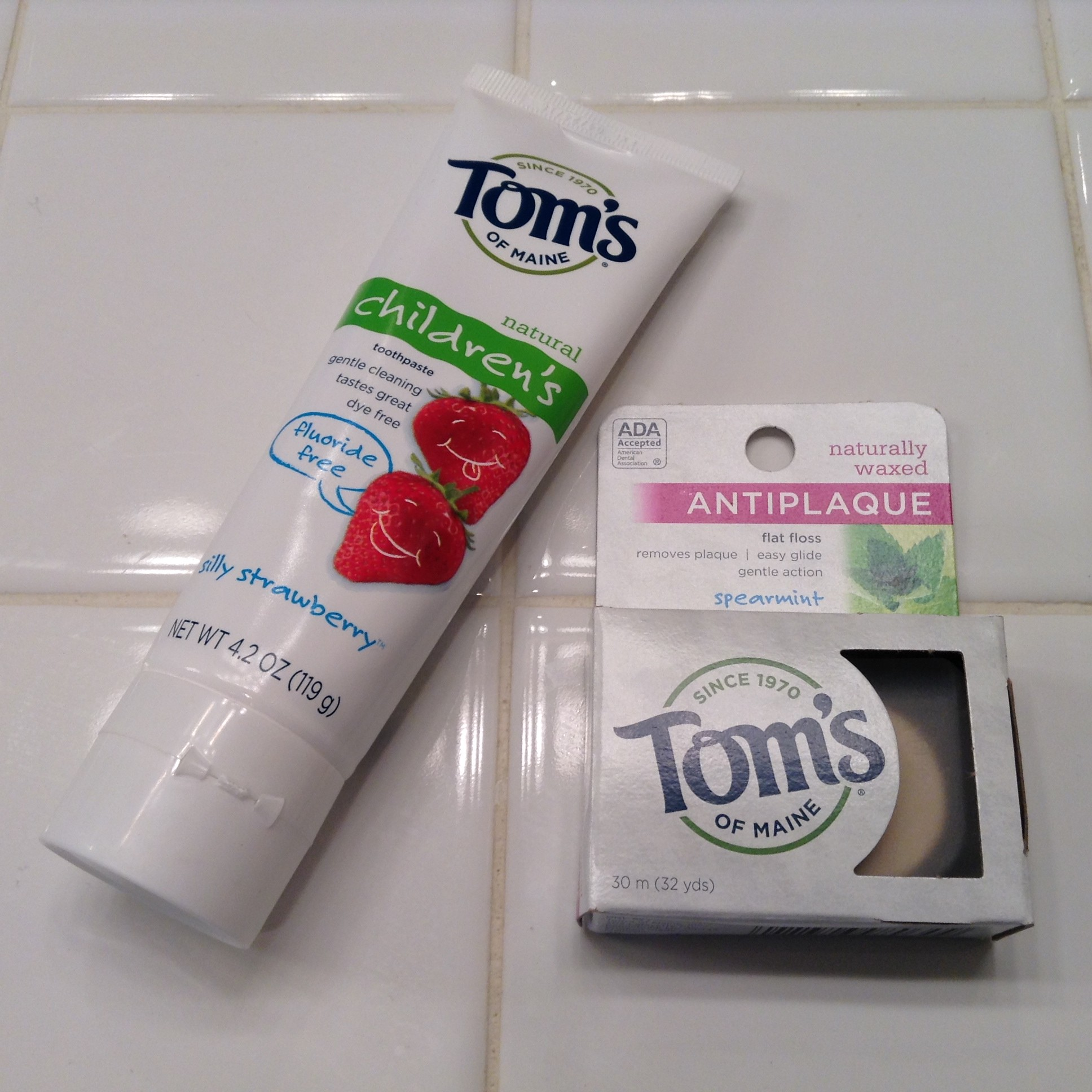 toms of maine toothpaste floss