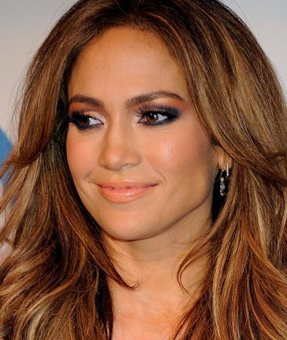 Jennifer Lopez Makeup on Jennifer Lopez Coral Lipstick Spring 2011 Expert Makeup And Skincare